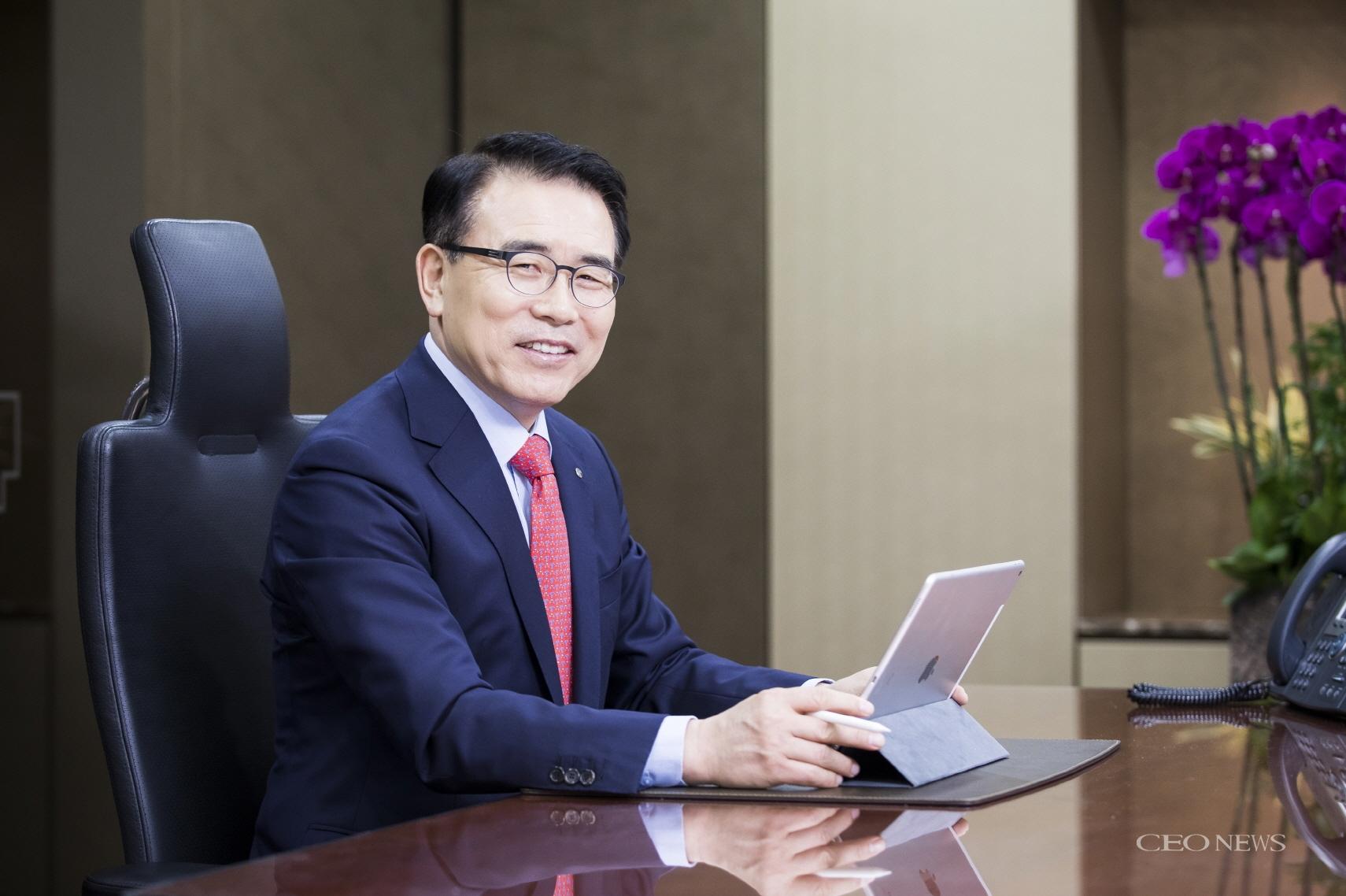 [단독 인터뷰] 조용병 신한금융그룹 회장